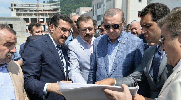 Bakan Tüfenkci, Erdoğan'a Gümrük Kapısı'ndaki yenileme çalışmalarını anlattı