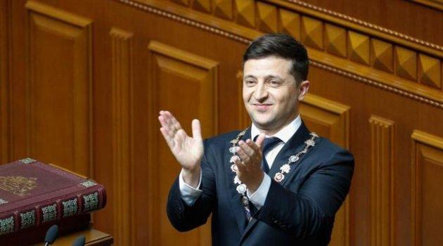 Zelenskiy'in ilk icraatı erken seçim
