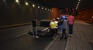 Alt geçitte trafik kazası: 2 yaralı