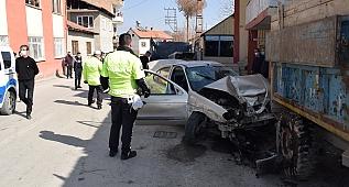 Polis şüpheli kovalamacası: 2 yaralı!