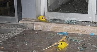İYİ Parti il binasına taşlı sopalı saldırı!