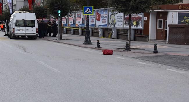 Şehir merkezinde şüpheli çanta paniği
