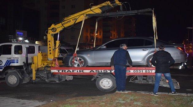 Kaza yaptı aracı bırakıp kaçtı: 2 yaralı
