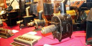 141 yıllık 890 adet fotoğraf makinesi sergileniyor