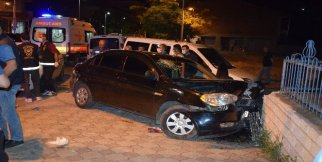 """Polisin """"dur"""" ihtarına uymadı kaza yaptı: 1 yaralı"""