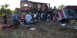 Yük trenleri çarpıştı: 2 ölü 3 yaralı