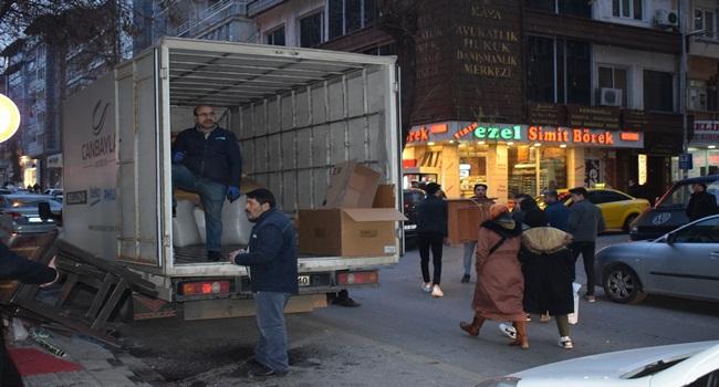 Malatya'da depremden zarar gören ev ve iş yerleri tahliye ediliyor